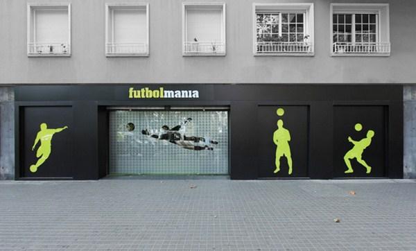 fachada futbolmania en barcelona tienda deportes