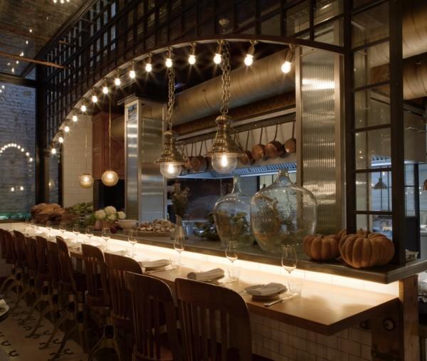 Gui os modernistas y aires de bistr en toto un wine bar for Vistas de cocinas
