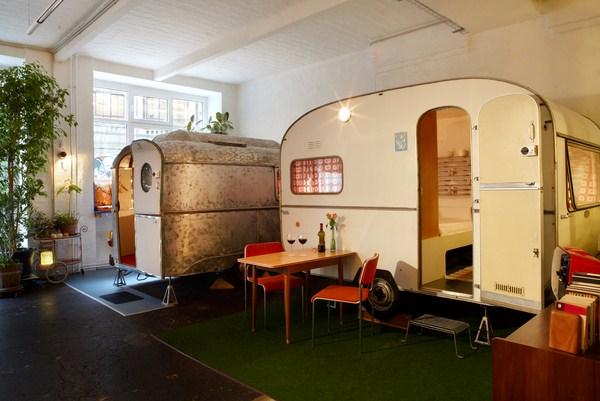nuevo h ttenpalast en berl n es una caravana old fashioned es un hotel con jard n o un. Black Bedroom Furniture Sets. Home Design Ideas