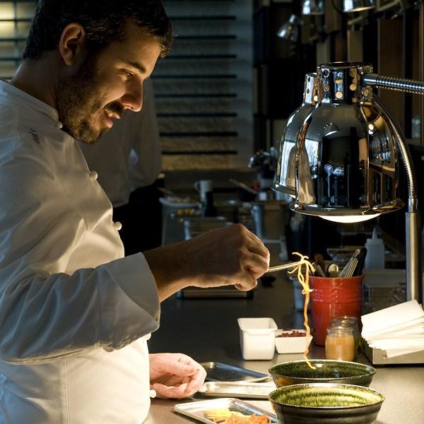 chef Felip Llofriu en Roca Moo Restaurante