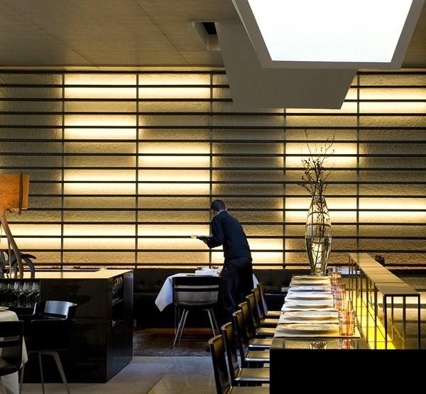 Interiorismo de Sandra Tarruella en Roca Moo restaurante