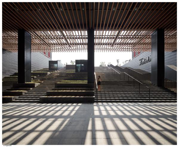 Los reconocidos arquitectos neri hu reinterpretan la for Design hotel xian