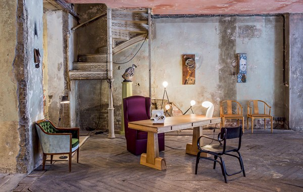 Between time un escaparate pop up en berl n recoge lo for Diseno de interiores vintage