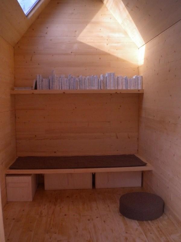 5 reading cabin
