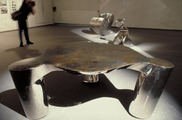 Ron Arad_Three Legs and a Table_1989_02 (1)