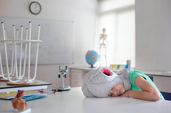 10 ostrich pillow junior