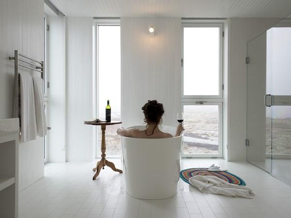 Room Fogo Island Inn Newfoundland Architect Todd Saunders diariodesign