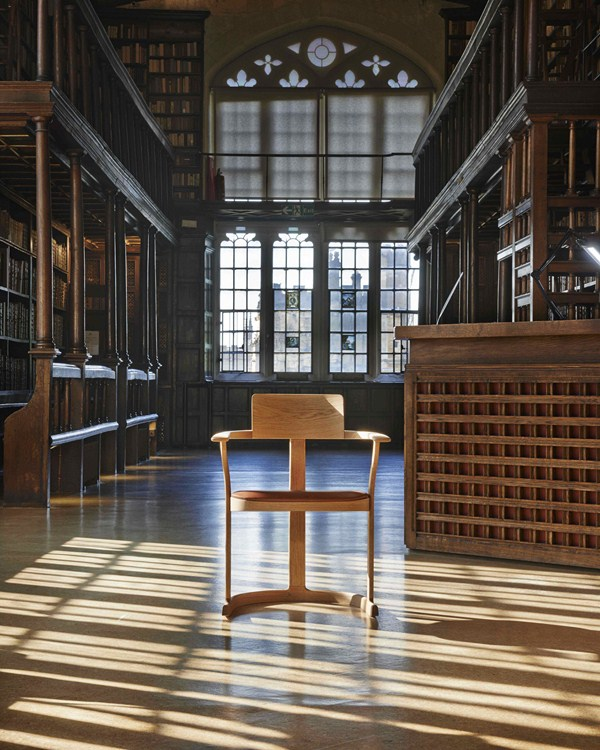 2 bodleian library chair