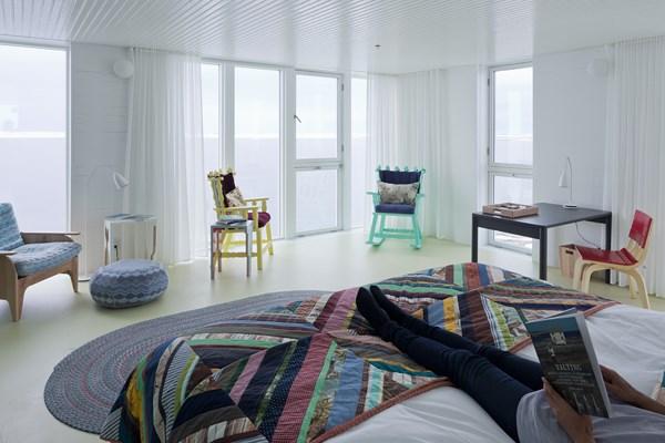 habitacion del hotel Fogo Island Inn en Terranova canada diariodesign