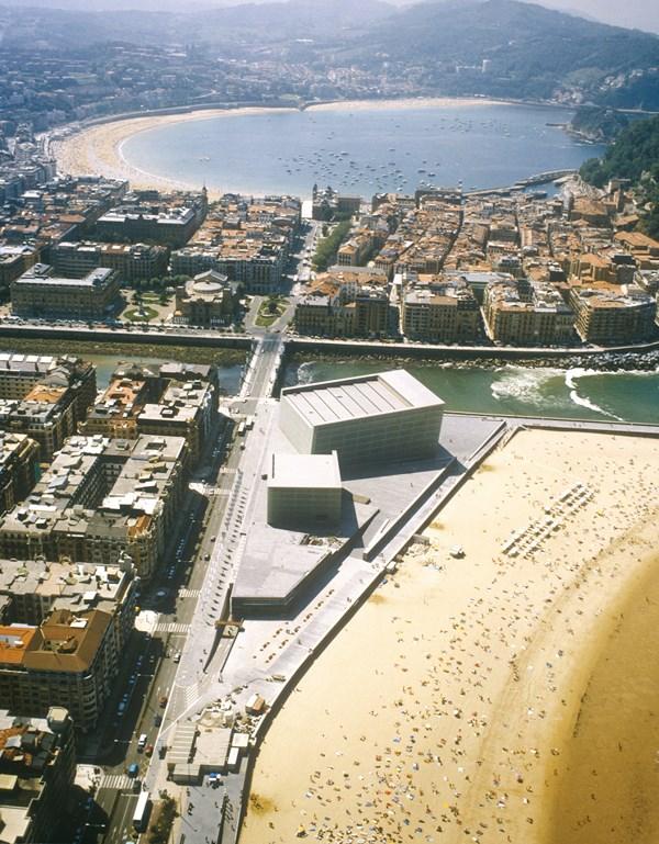 4 Kursaal_vista aérea _ Rafael Moneo_Cortesía Fundación Barrié_Fotografía F.O.A