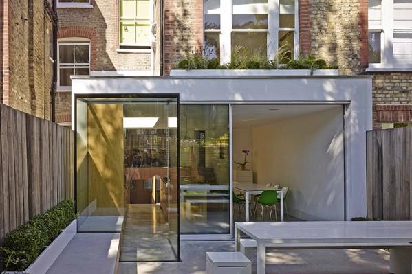 Coffey Architects consiguen aumentar la luz y el espacio familiar en una casa protegida de Highbury, Londres.