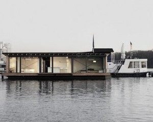 1 modern houseboat