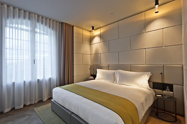 28 Cafe Royal Hotel - Marquis Suite - Bedroom