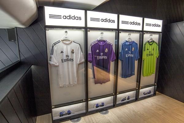 3 adidas VIP Bernabéu