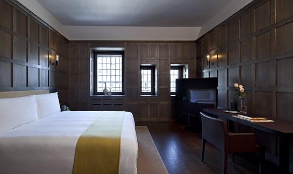 31 Cafe Royal hotel - Tudor Suite1