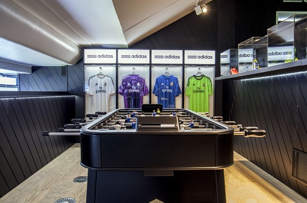 4 adidas VIP Bernabéu