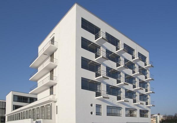 4-bauhaus-studio-building