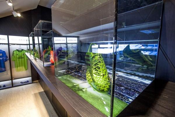 5 adidas VIP Bernabéu