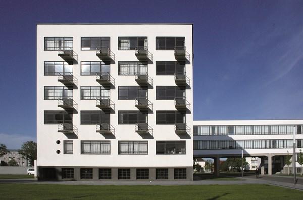 5-bauhaus-studio-building