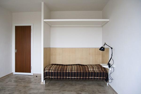 Reinszenierte Atelierzimmer im Bauhausgebäude Dessau, Oktober 2013