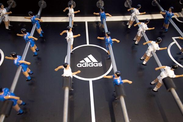 9 adidas VIP Bernabéu