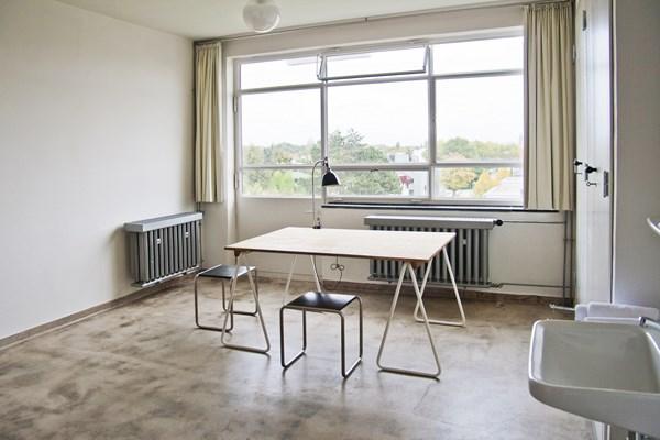 9-bauhaus-studio-building
