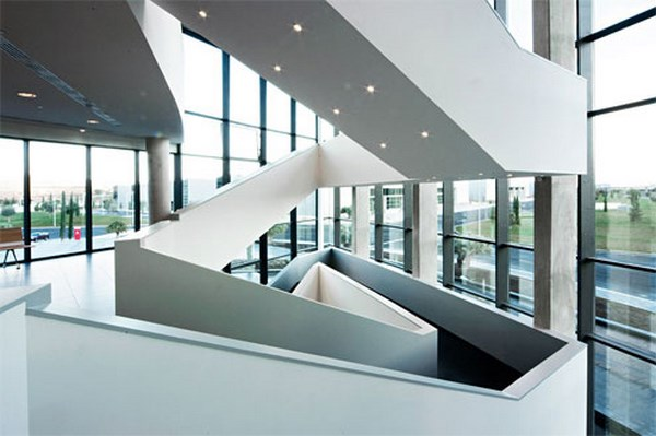 ACTIU-escaleras-parque-actiu-blog_2