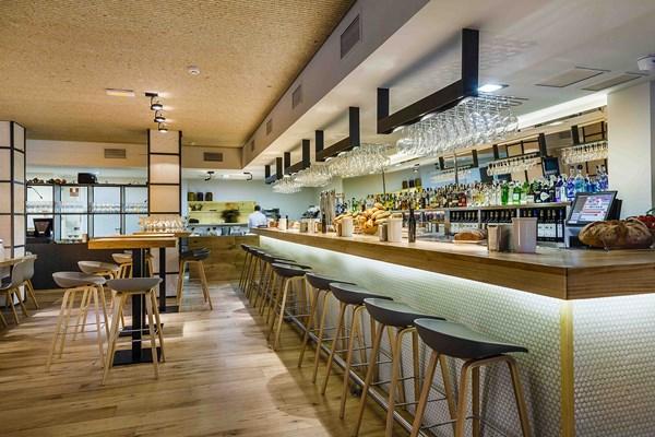 Zooco estudio proyecta el restaurante la maruca un - Restaurante sergi arola en madrid ...