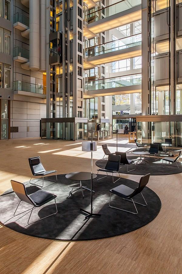 Arquinotas el edificio de oficinas alta diagonal for Oficinas de pelayo en barcelona