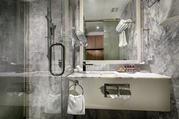 rehabilitacion hotel australiano hougoumont bano diariodesign