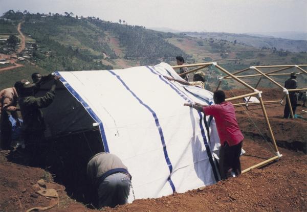Shigeru-Ban-Paper-Emergency-Shelter-for-UNHCR-01