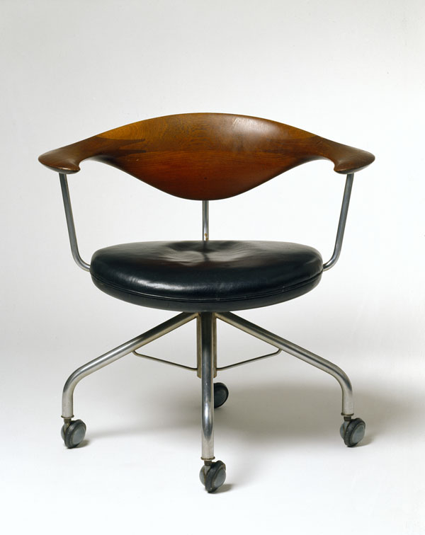 10 round chair wegner