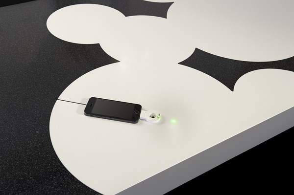 Corian_2-0_recharge_Blackground_01
