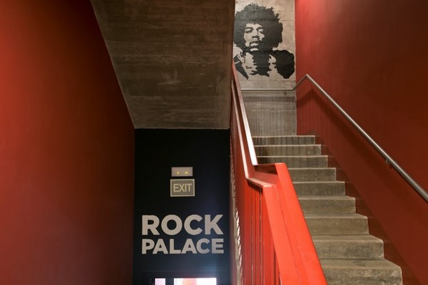 3 rock palace hostel