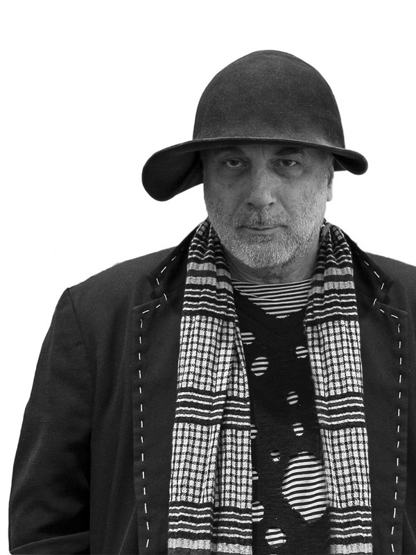 _RON ARAD ph Andrew Meredith