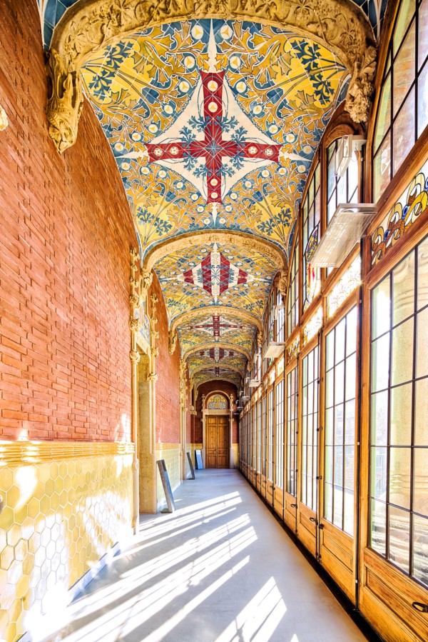 elemensot ornamentales modernistas de Hospital de Sant Pau