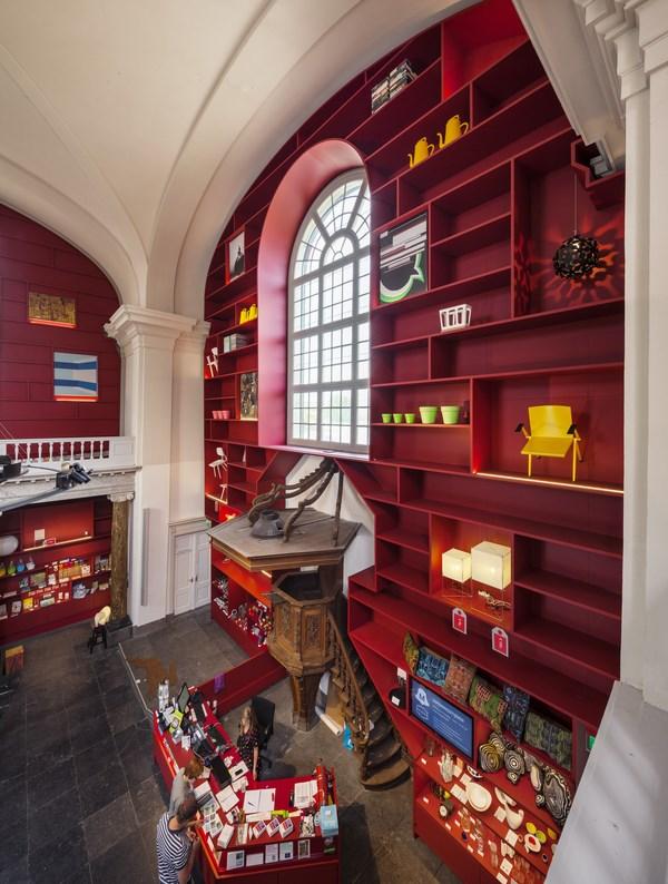 8 stedelijk museum