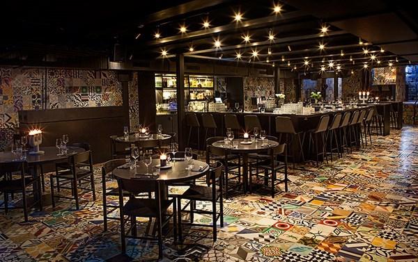 Restaurante Llama de Kilo Studio 7 (Copiar)