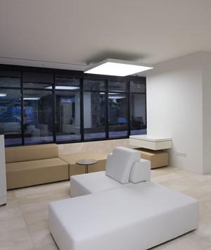 b720 Arquitectos y Luxiona transforman las oficinas corporativas de Abertis