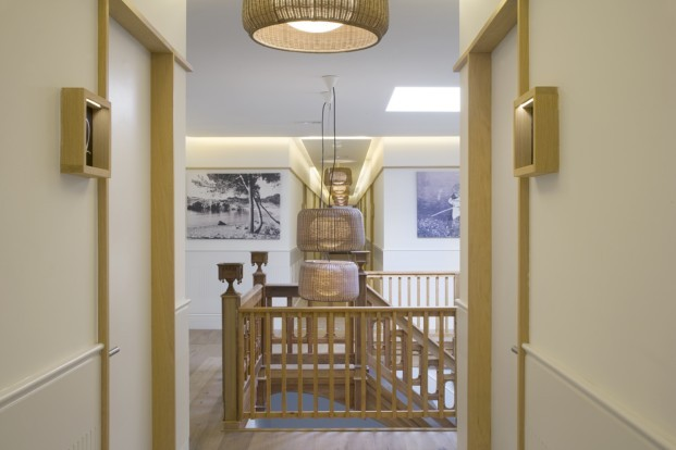 Hostal Empuries escalera remodelacion Pilar Libano