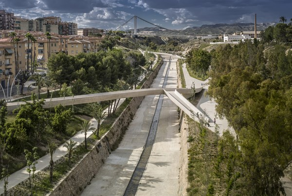 TWISTED VALLEY IN (ELCHE)