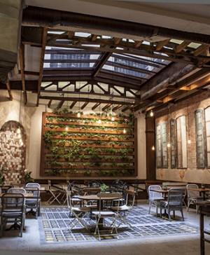 A2 arquitectos expresan el contraste en xieira house en - Cuca arraut interiorismo ...