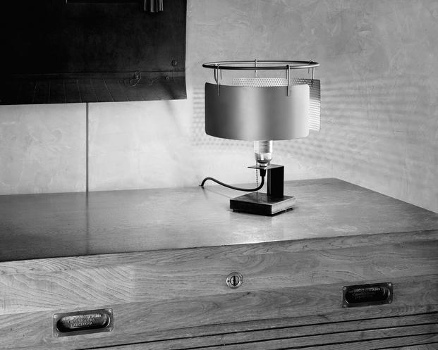 01 Toma Lamp
