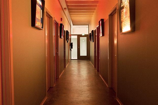 8 kex hostel