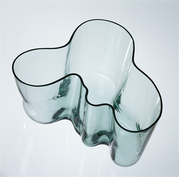 Alvar aalto second nature retrospectiva imprescindible en for Alvar aalto muebles