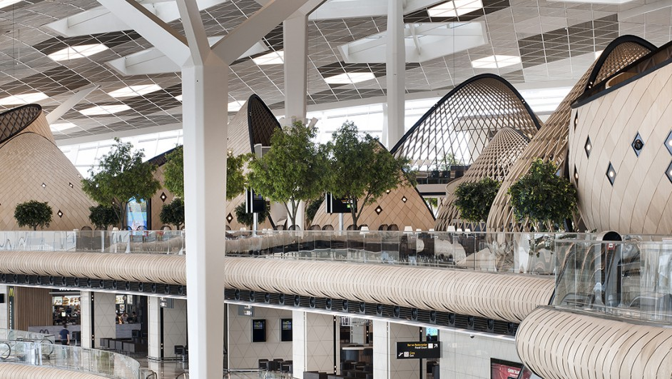 Autoban-Heydar-Aliyev-International-Airport-Azerbaijan-Baku (1520x621)