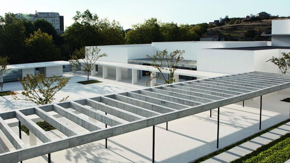 Institucion-Benefico-Social-Padre-Rubinos-A-Coruna-Fundacion-Amancio-Ortega Gaona-Elsa-Urquijo-Arquitectos (1520x621)