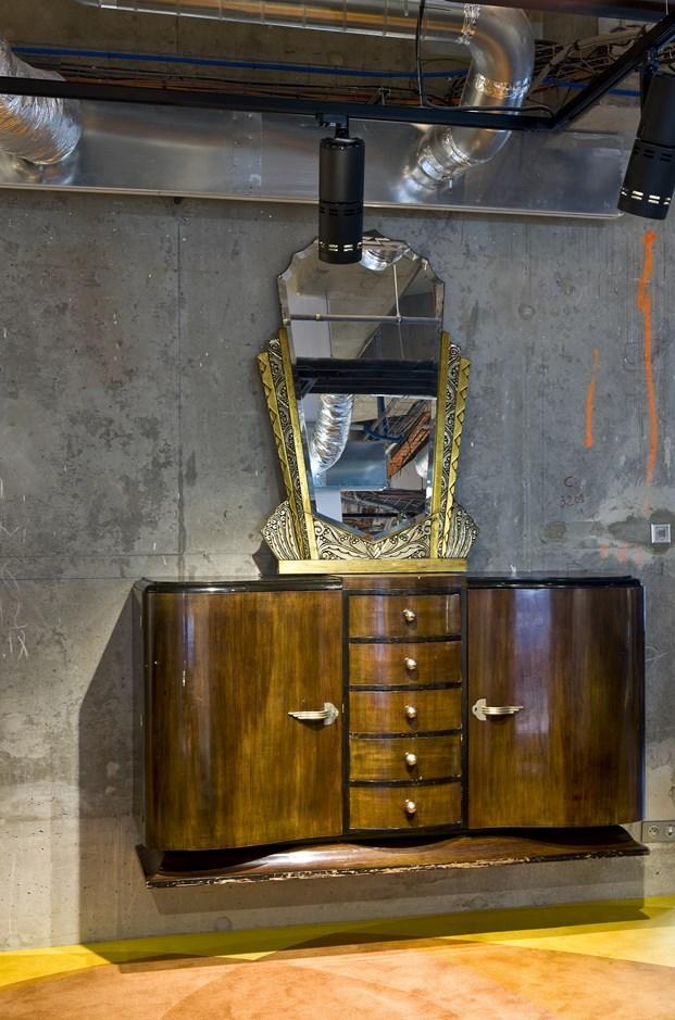 mobiliario vintage en el Hotel Molitor en paris de Jean Philippe Nuel diariodesign