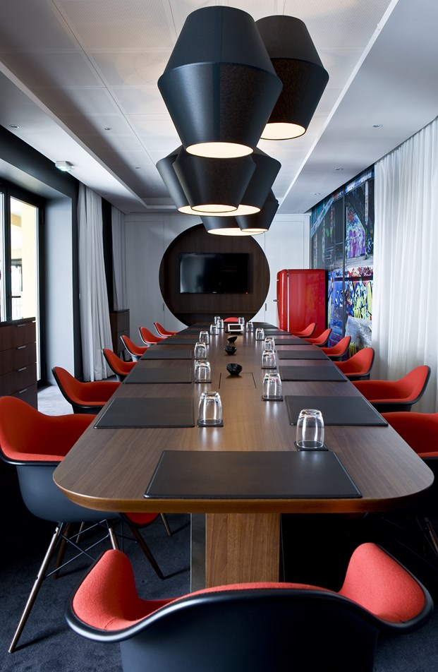 mesa Hotel Molitor en paris de Jean Philippe Nuel diariodesign