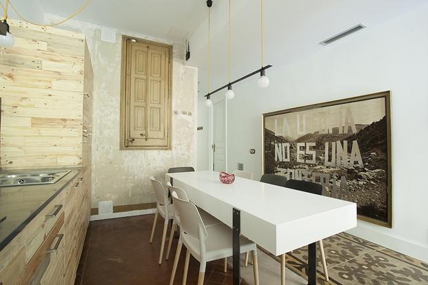 yok-Casa-C-kitchen-hall